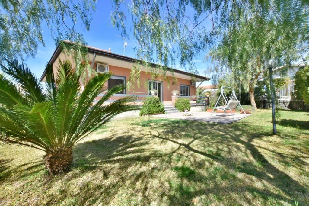 Villa in Vendita a Belpasso Periferia: 4 locali, 120 mq