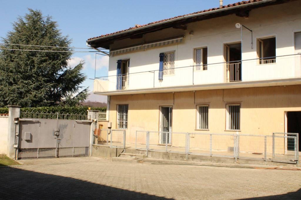 Foto 1 di Villa via Valentino, Cuceglio