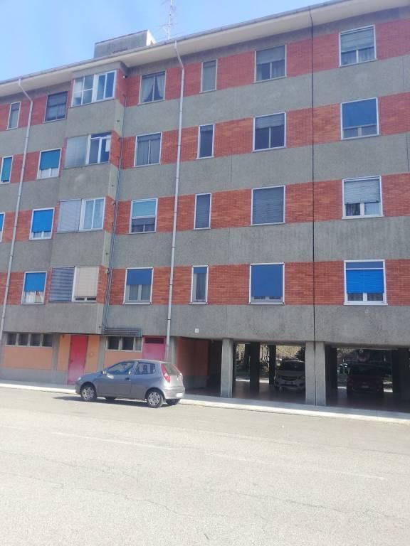 Appartamento in vendita a Vercelli, 4 locali, prezzo € 40.000 | CambioCasa.it