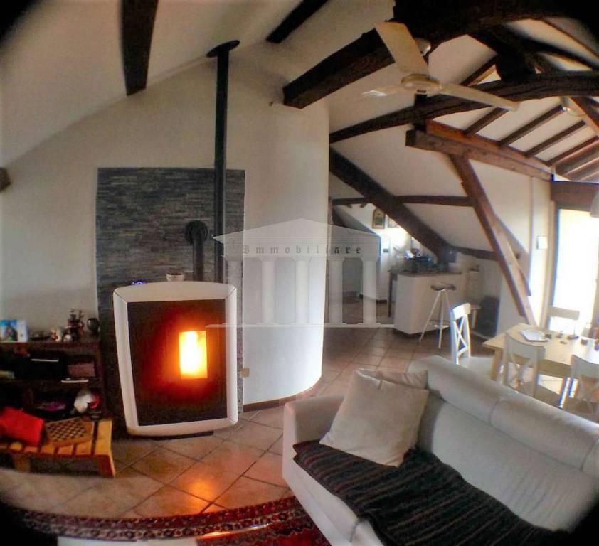 Appartamento in vendita a Sumirago, 2 locali, prezzo € 95.000 | CambioCasa.it