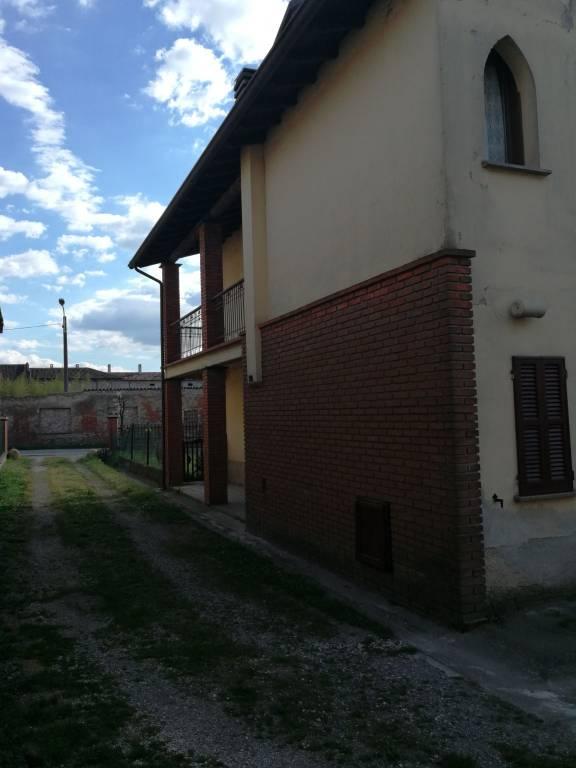 Villa in vendita a Torre de' Picenardi, 5 locali, prezzo € 49.000 | PortaleAgenzieImmobiliari.it