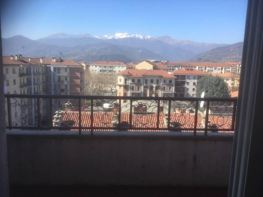 Foto 1 di Attico / Mansarda via Saluzzo, Pinerolo
