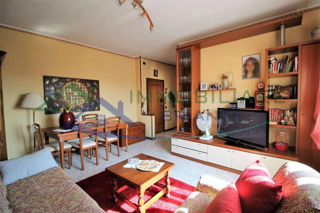Appartamento in vendita a Somma Lombardo, 3 locali, prezzo € 57.000   CambioCasa.it