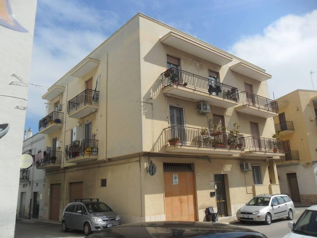 Appartamento in ottime condizioni in vendita Rif. 7567607