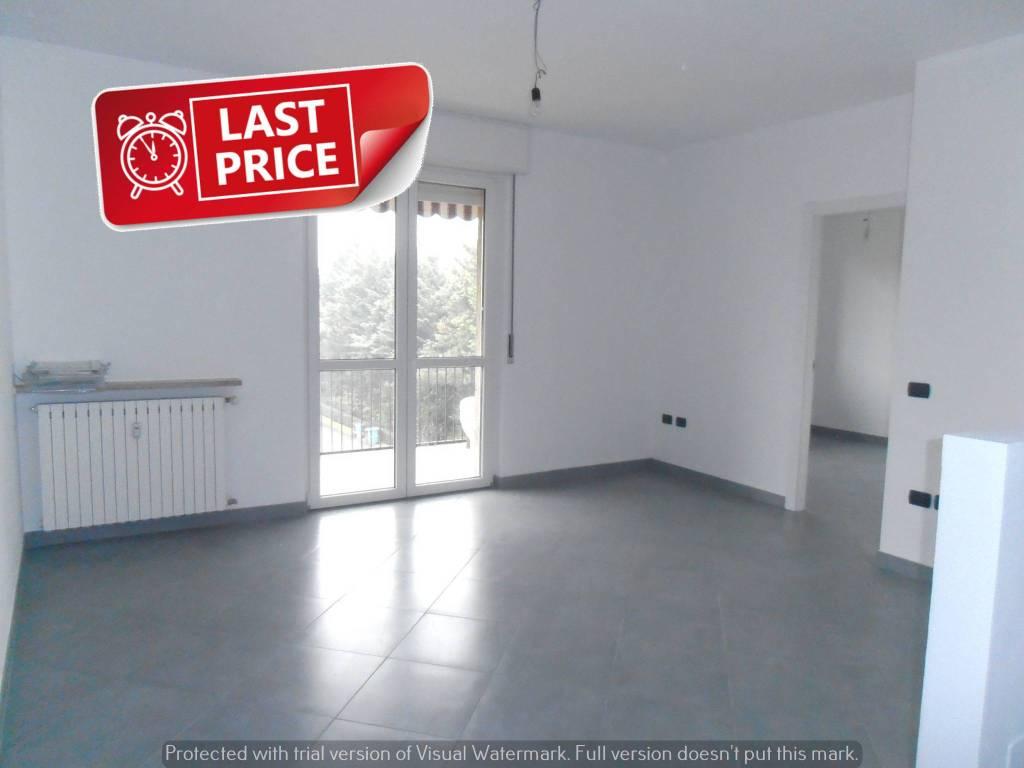 Appartamento in ottime condizioni in vendita Rif. 9260453