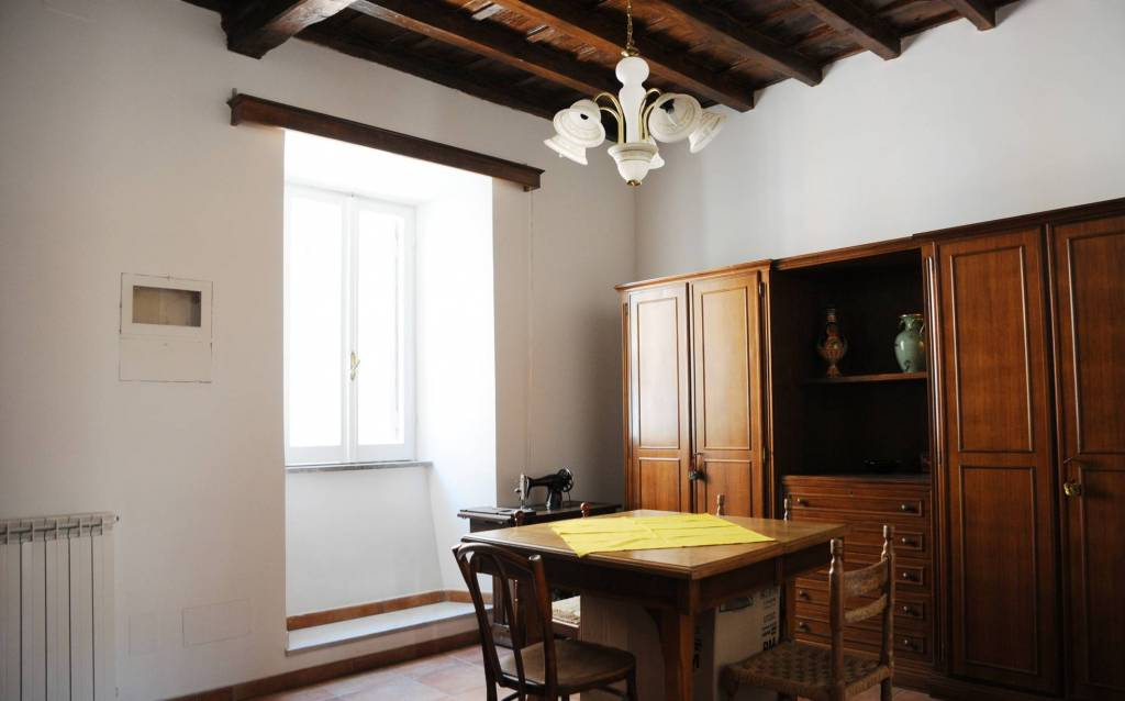 Appartamento in ottime condizioni arredato in affitto Rif. 8997289