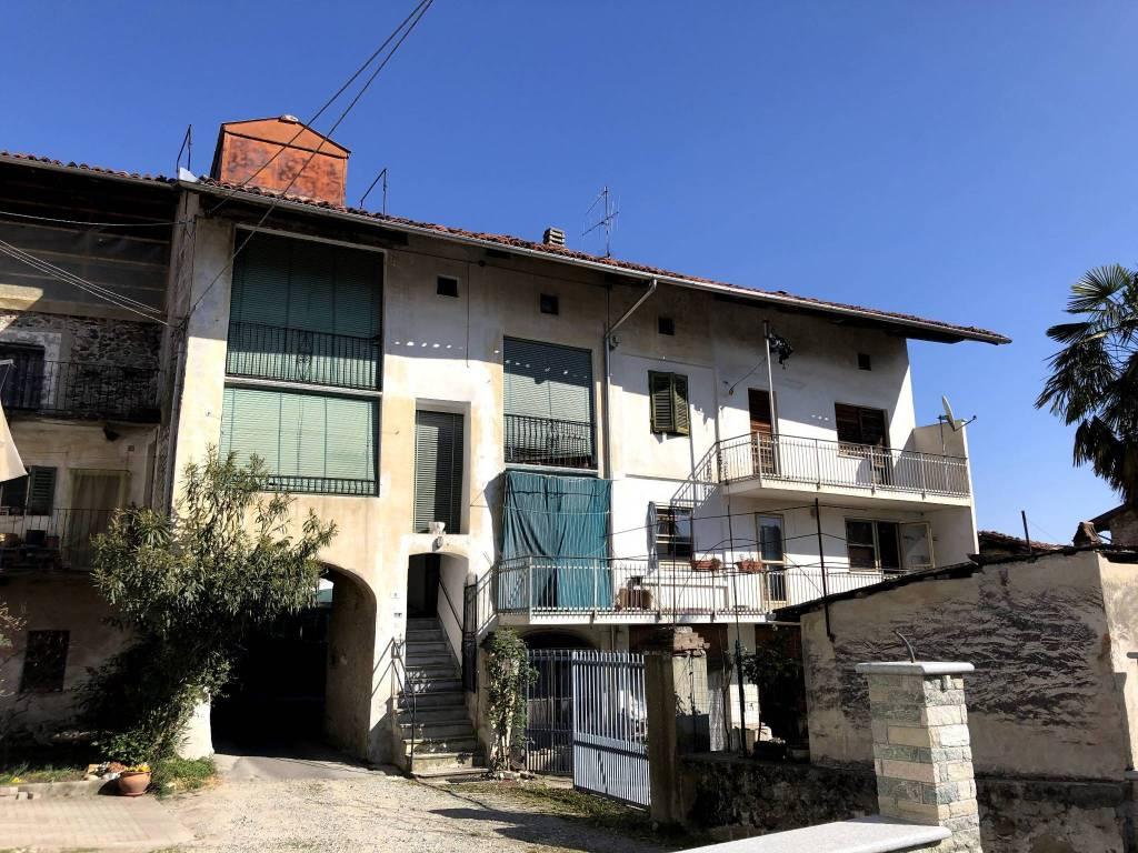 Foto 1 di Casa indipendente via Peretto, Lessolo