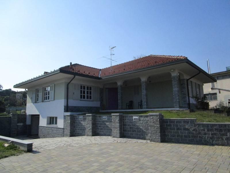 Villa in affitto a Gattico, 3 locali, prezzo € 800 | CambioCasa.it
