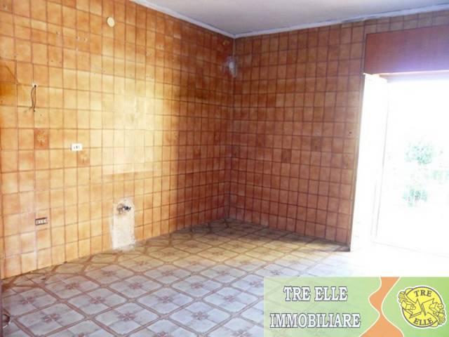 Appartamento in buone condizioni in affitto Rif. 6108150