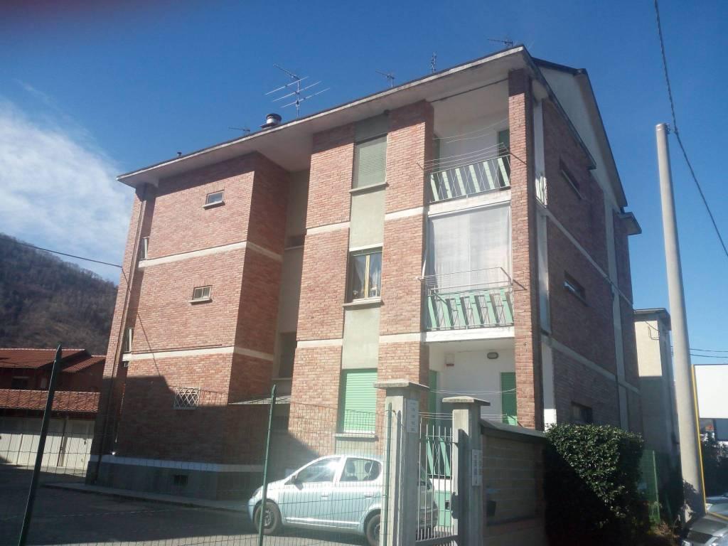 Foto 1 di Trilocale via Torino 138, Lanzo Torinese