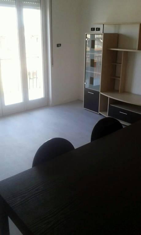 Appartamento in buone condizioni in affitto Rif. 9254107