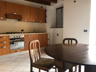 Appartamento in buone condizioni arredato in affitto Rif. 6177839