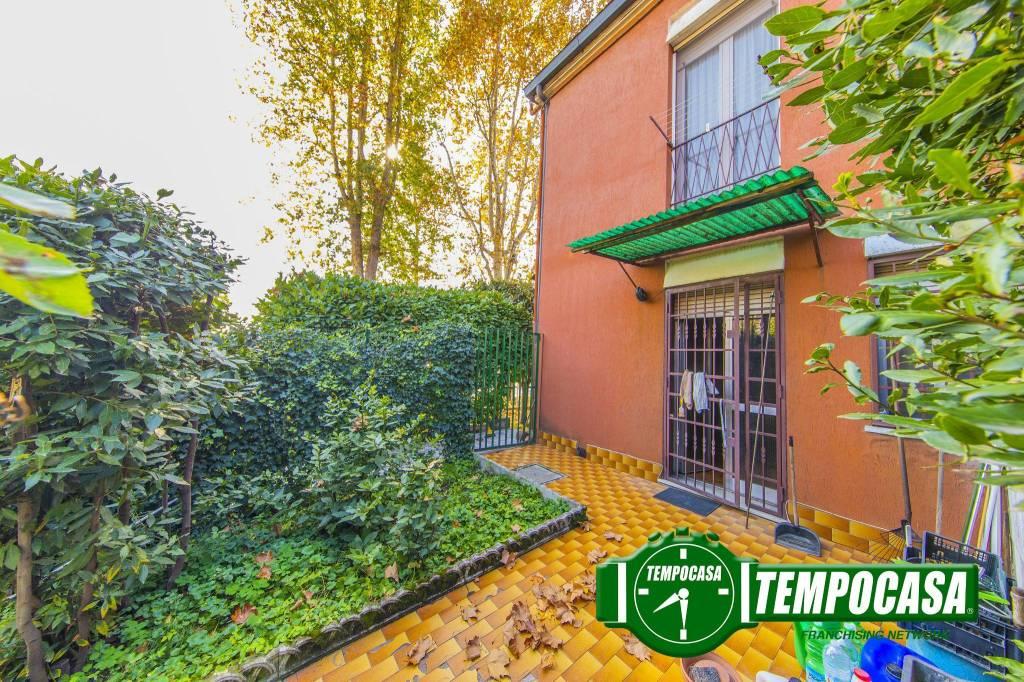 Appartamento in vendita 3 vani 90 mq.  via Agrigento 2 Milano