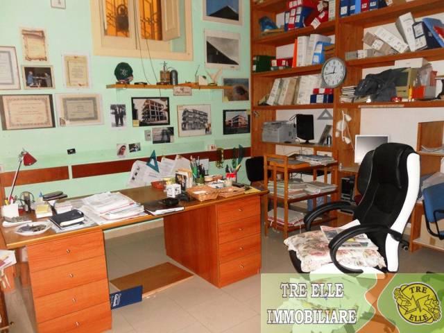 Appartamento in buone condizioni in affitto Rif. 6936121