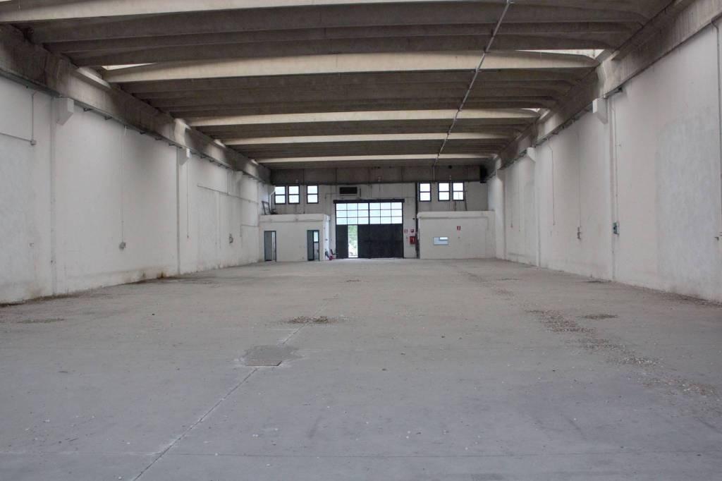 Capannone in vendita a Rozzano, 1 locali, prezzo € 450.000 | PortaleAgenzieImmobiliari.it