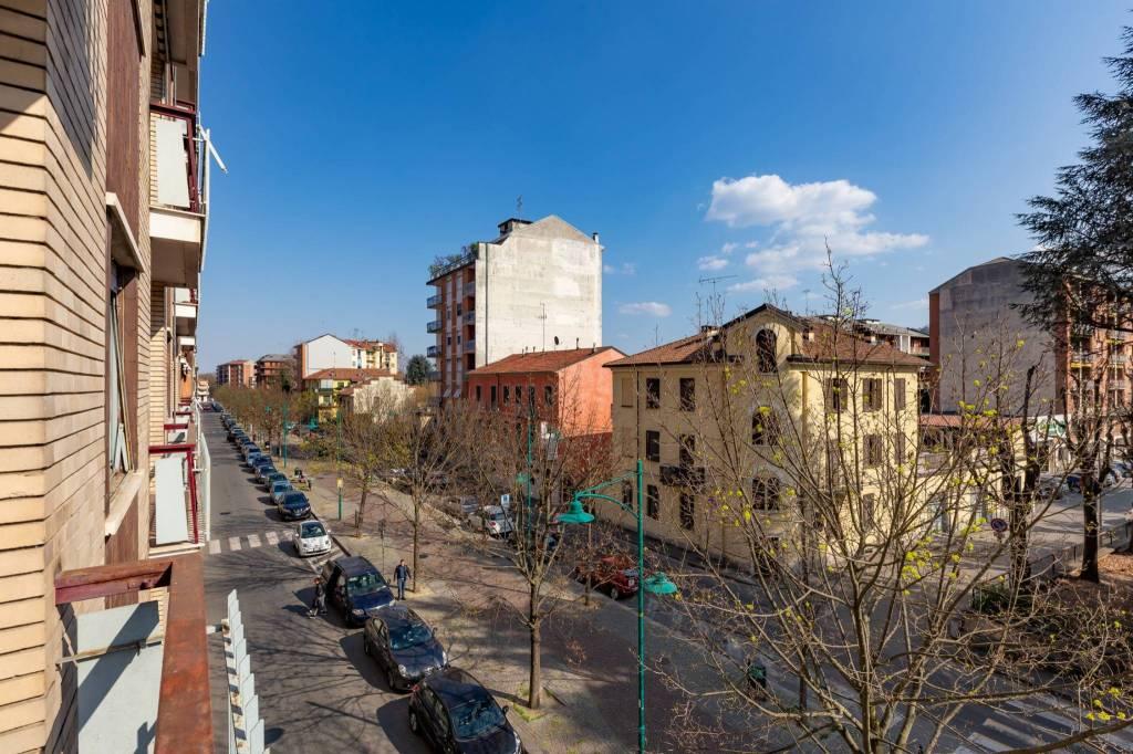 Foto 1 di Trilocale viale Vittorio Veneto, Chivasso