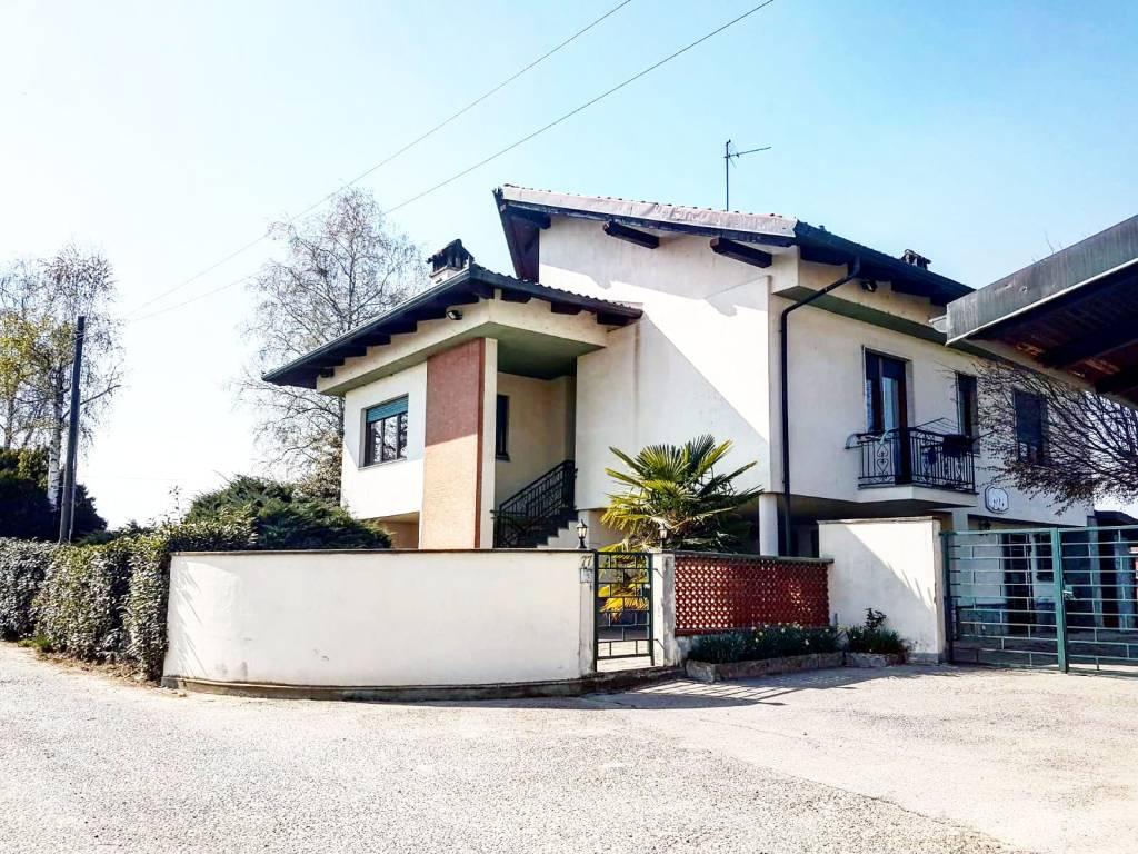 Villa in vendita a Airasca, 7 locali, prezzo € 189.000 | PortaleAgenzieImmobiliari.it