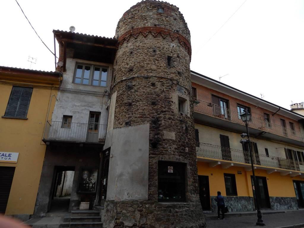 Foto 1 di Trilocale via Roma 35, Giaveno