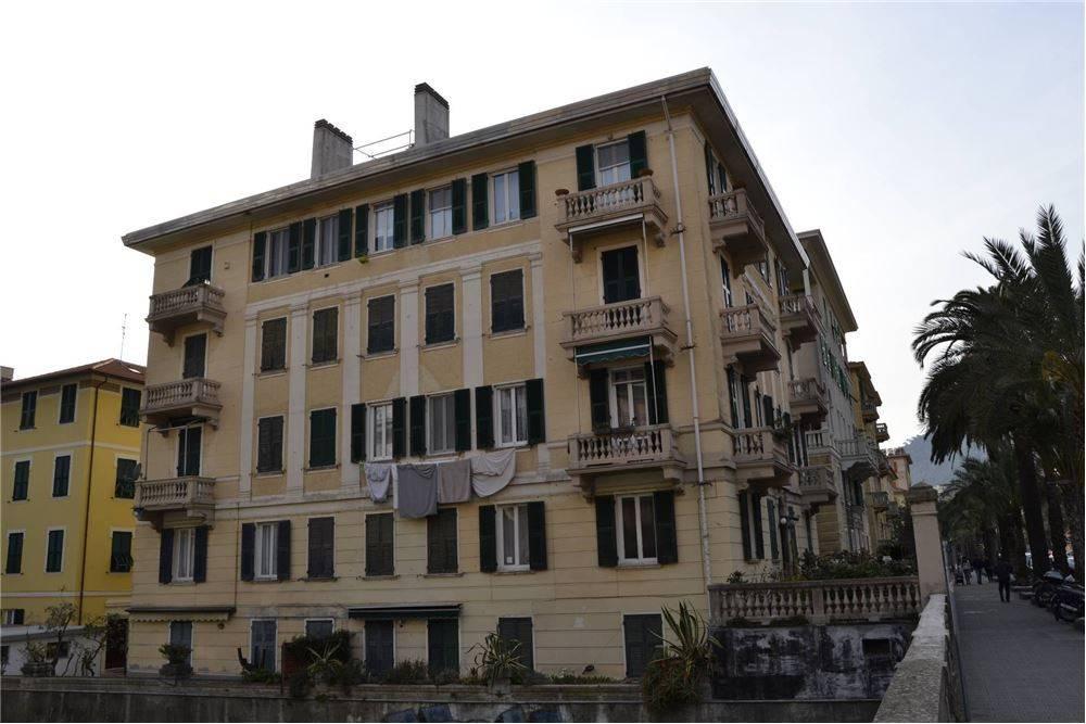 Foto 1 di Appartamento viale Tappani, 5, Chiavari