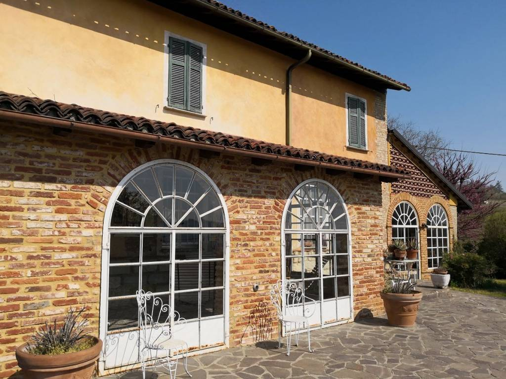 Rustico / Casale in vendita a Coniolo, 12 locali, prezzo € 450.000 | PortaleAgenzieImmobiliari.it