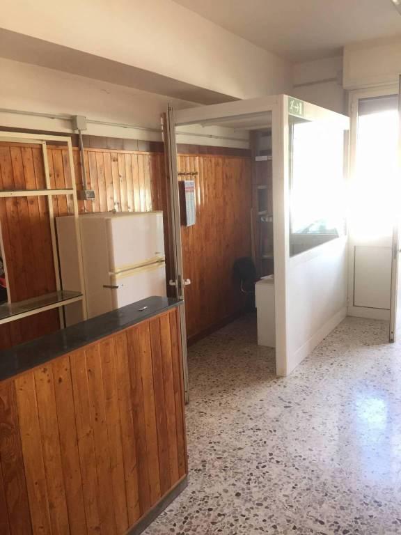 Laboratorio in affitto a Roma, 1 locali, zona Zona: 36 . Finocchio, Torre Gaia, Tor Vergata, Borghesiana, prezzo € 800 | CambioCasa.it