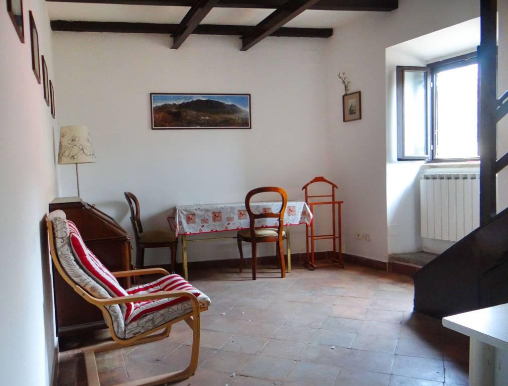 Appartamento in vendita a Capena, 2 locali, prezzo € 60.000 | CambioCasa.it