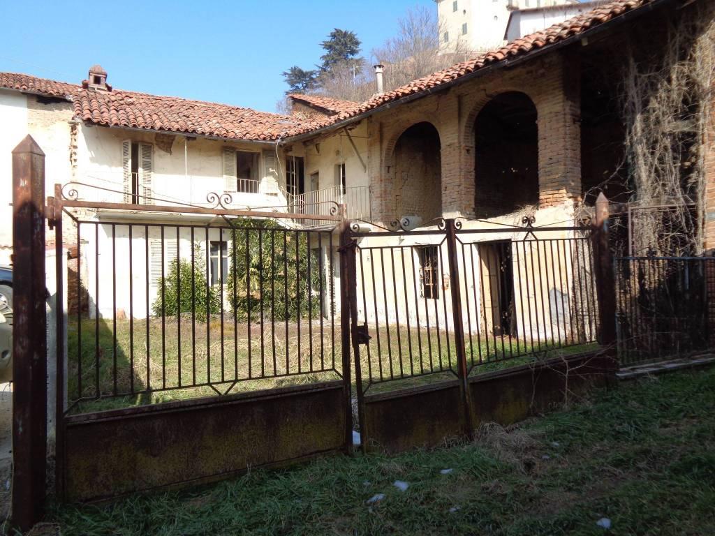 Rustico / Casale in vendita a Pocapaglia, 8 locali, prezzo € 30.000   PortaleAgenzieImmobiliari.it
