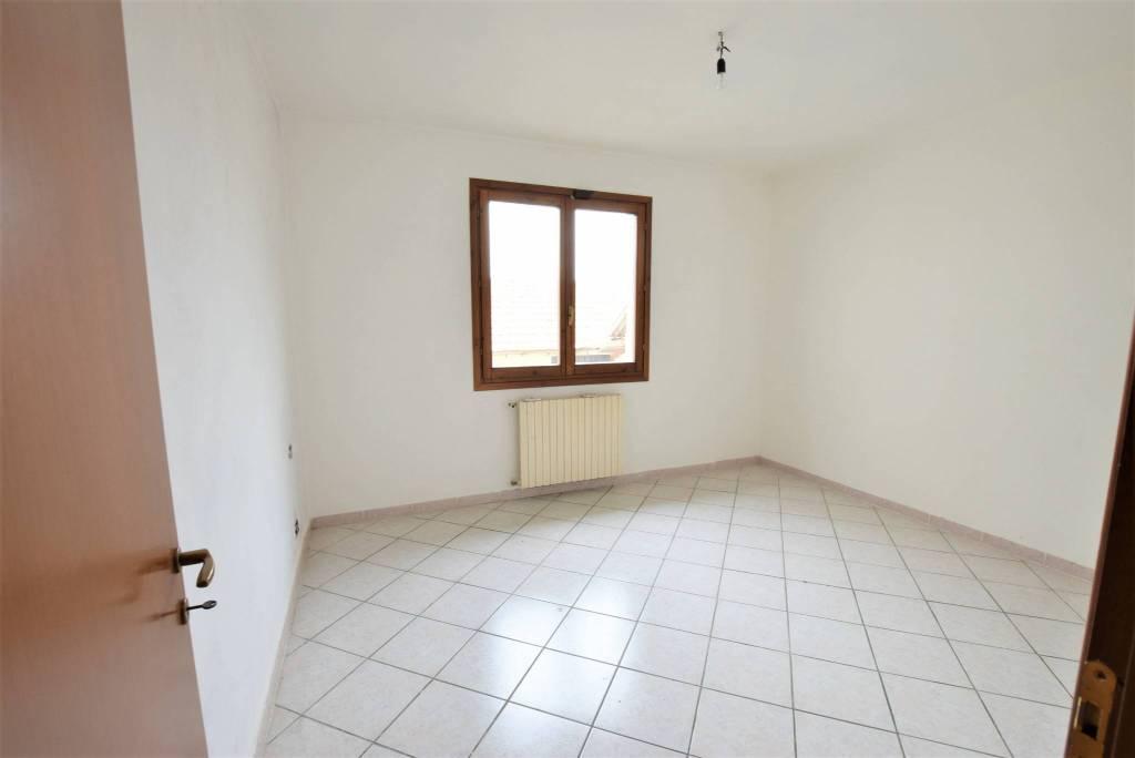 Appartamento in ottime condizioni in vendita Rif. 5209162