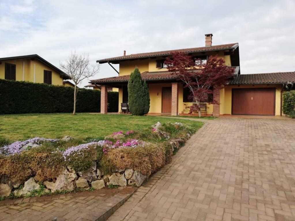 Foto 1 di Villa strada per Villata, Valfenera
