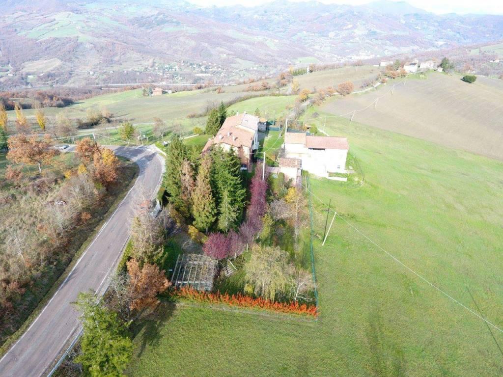 Villa in vendita a Castel di Casio, 7 locali, prezzo € 350.000 | CambioCasa.it