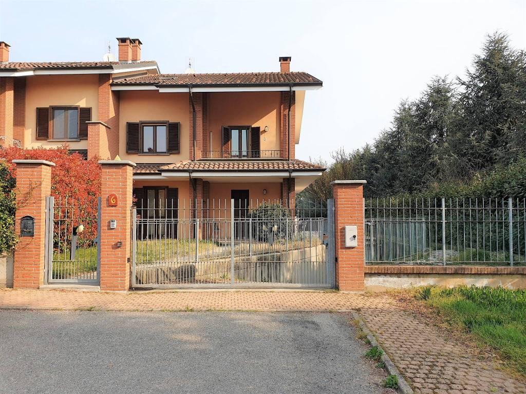 Foto 1 di Villa via Alcide De Gasperi, 6, Cambiano