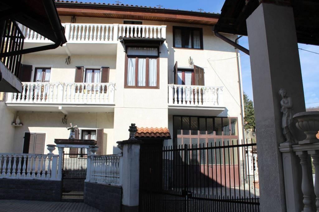 Foto 1 di Casa indipendente Cascina Bottona, frazione Frazione Santa Maria, Agliè