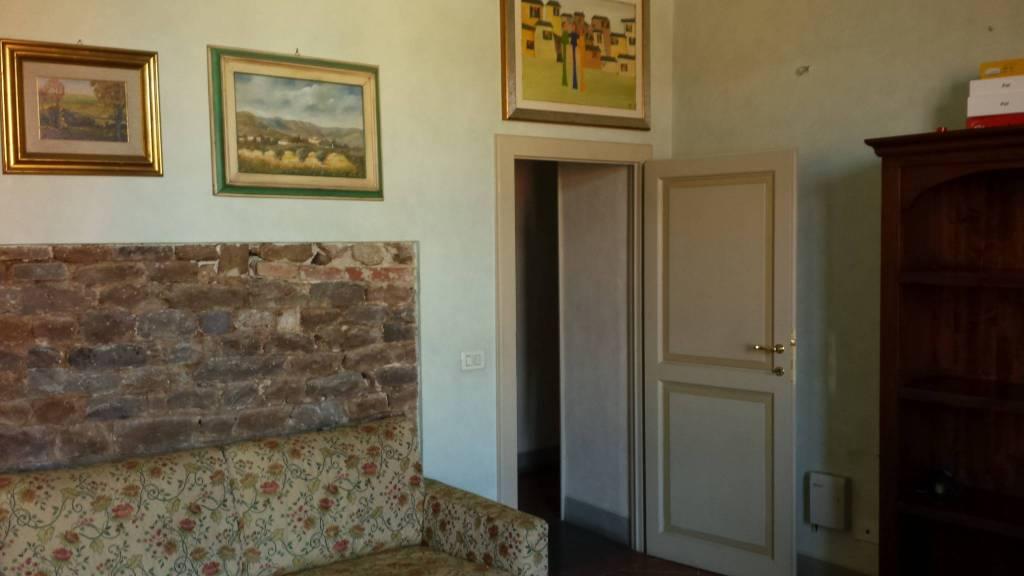 Appartamento in Affitto a Pisa Centro: 4 locali, 100 mq