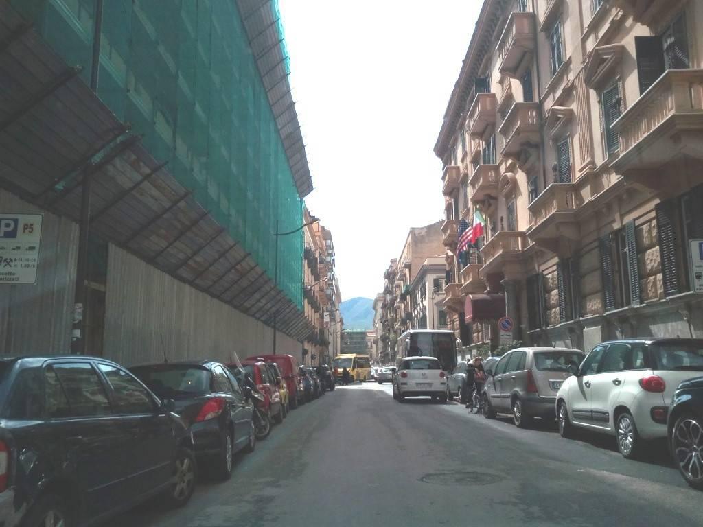 Ufficio-studio in Affitto a Palermo Centro: 5 locali, 120 mq