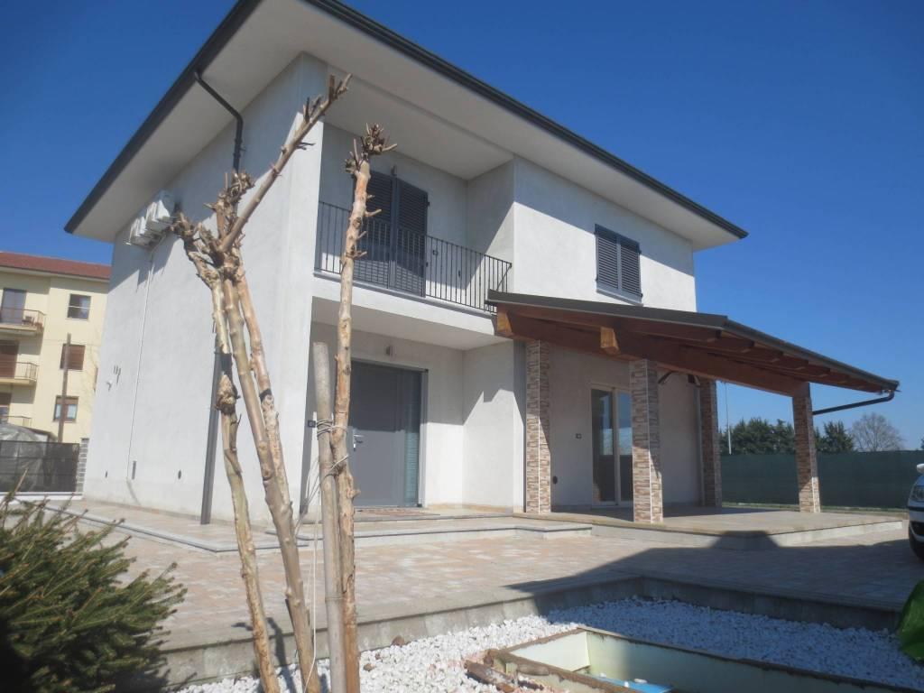 Foto 1 di Villa strada circonvalazione, 13, Villafranca Piemonte