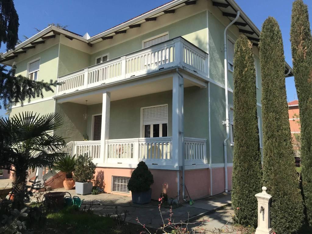 Foto 1 di Villa via Martiri 118, Ceresole Alba