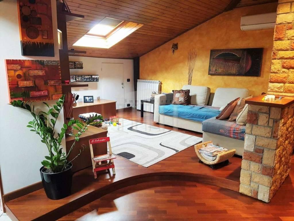 Appartamento in vendita a Cardano al Campo, 2 locali, prezzo € 79.000 | CambioCasa.it
