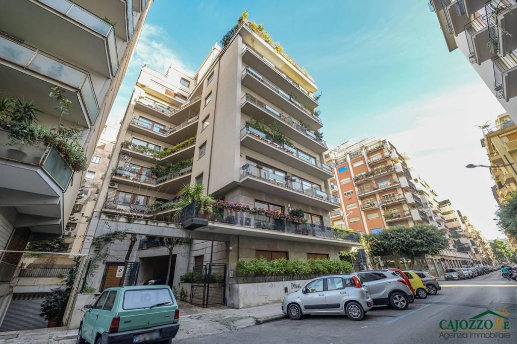 Appartamento in ottime condizioni in affitto Rif. 9303826
