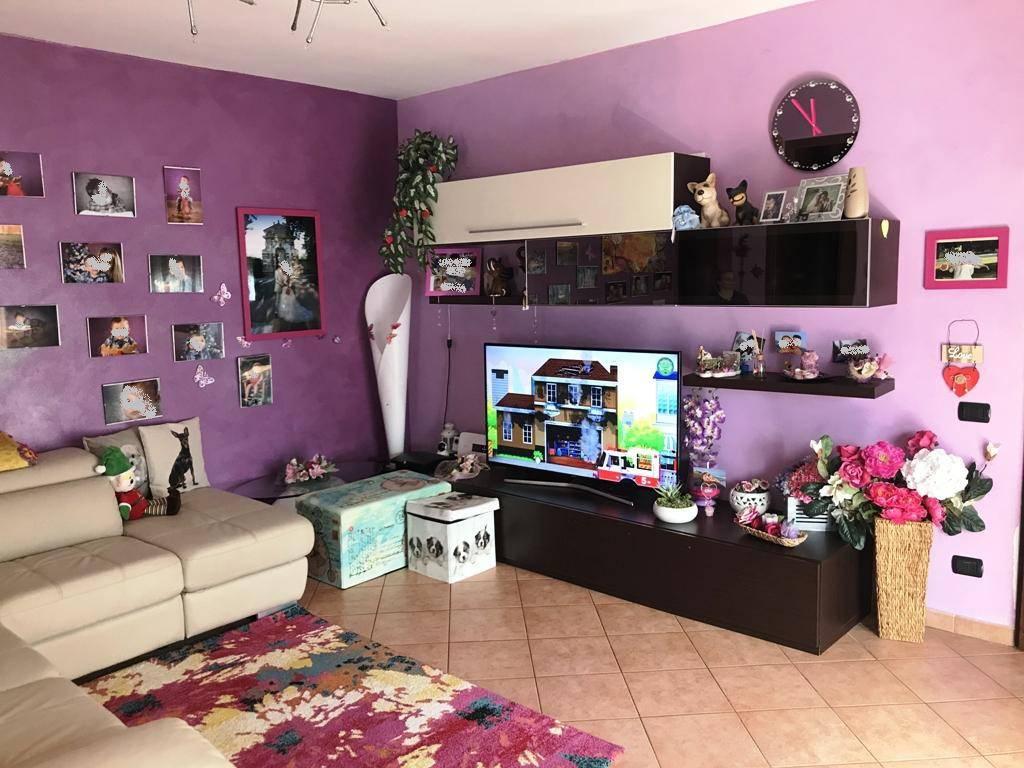 Appartamento in ottime condizioni in vendita Rif. 7910905