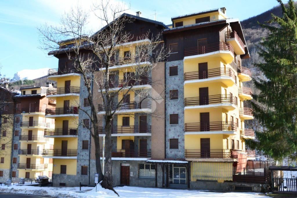 Appartamento da ristrutturare in vendita Rif. 9247840
