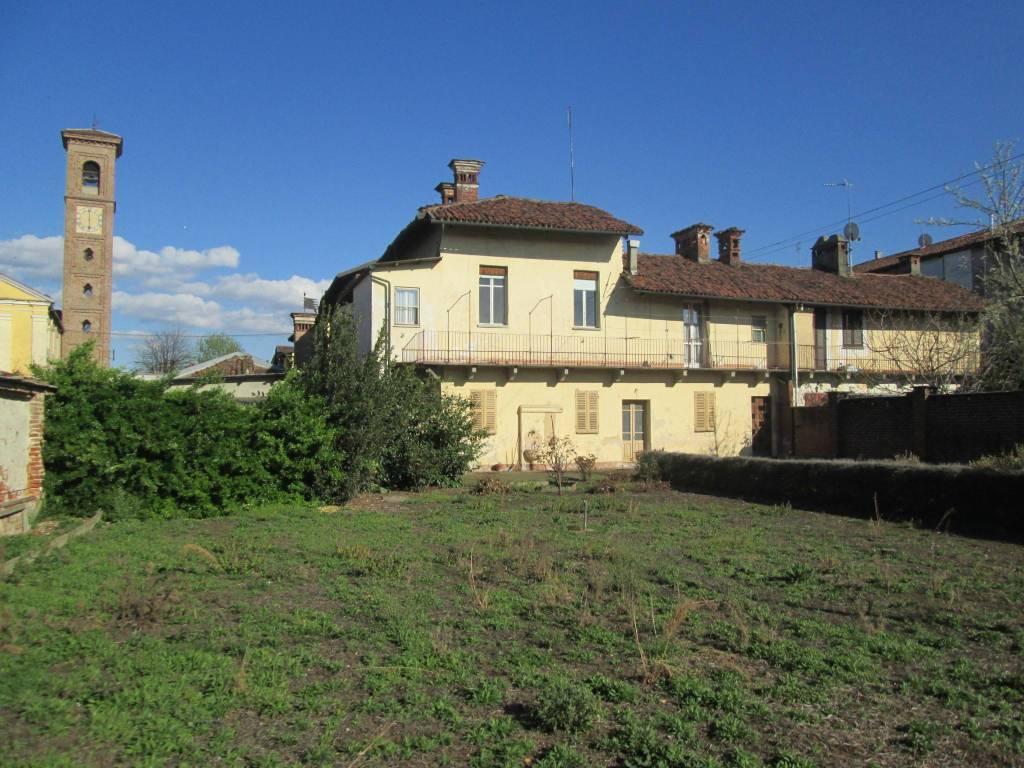Foto 1 di Palazzo / Stabile vicolo Ricetto 8, Moretta