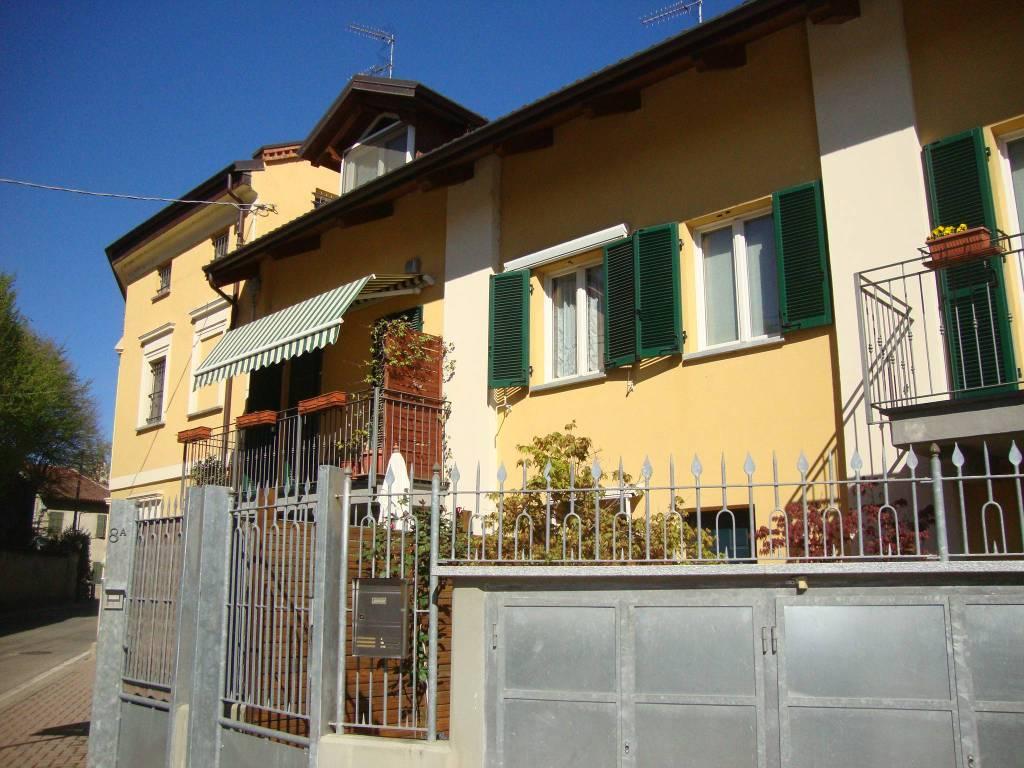 Foto 1 di Villa via Camillo Benso di Cavour, Santena
