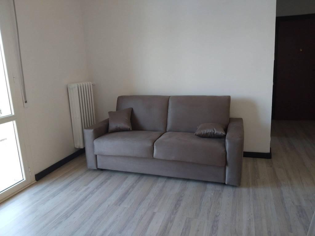Appartamento in Affitto a Modena Centro: 5 locali, 96 mq