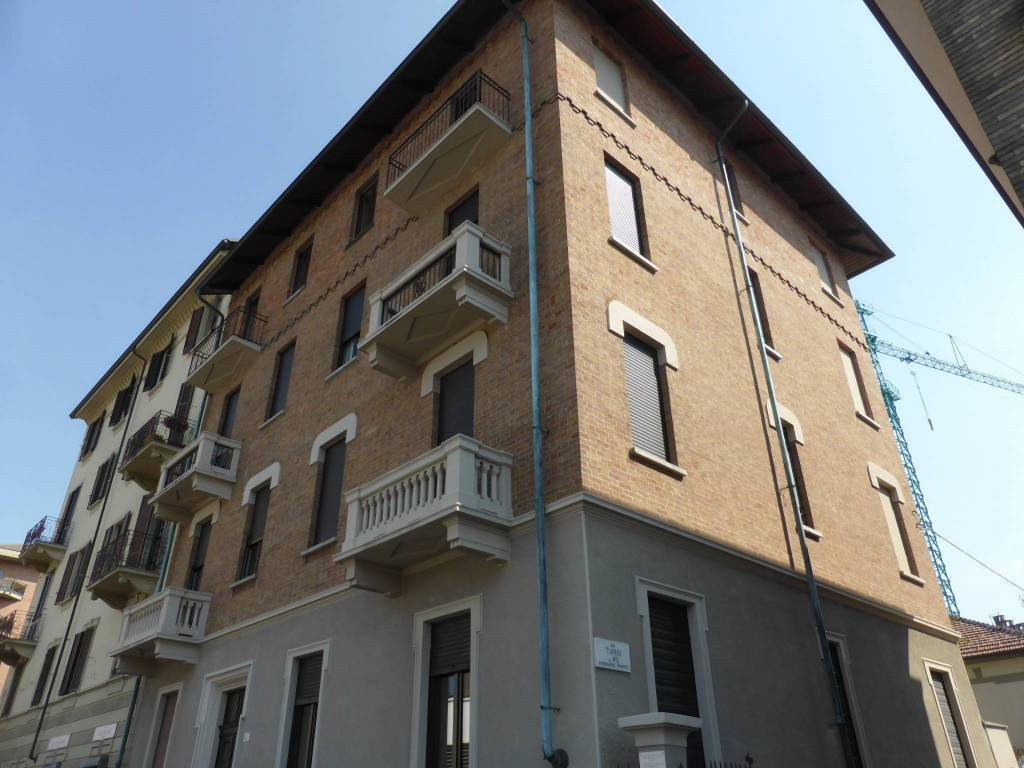 Foto 1 di Trilocale via Tunisi 43, Torino (zona Lingotto)