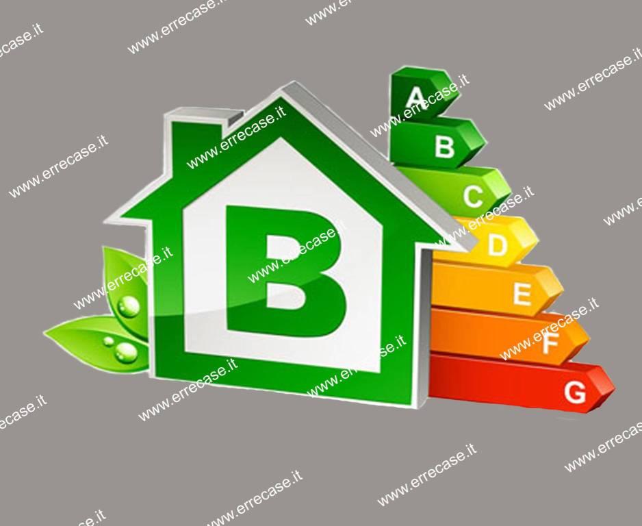 Appartamento in ottime condizioni in vendita Rif. 9014190