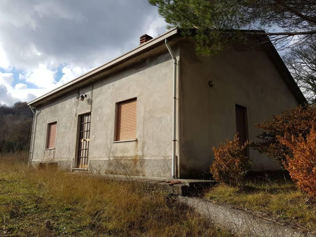 Soluzione Indipendente in vendita a Trecchina, 5 locali, prezzo € 78.000 | PortaleAgenzieImmobiliari.it