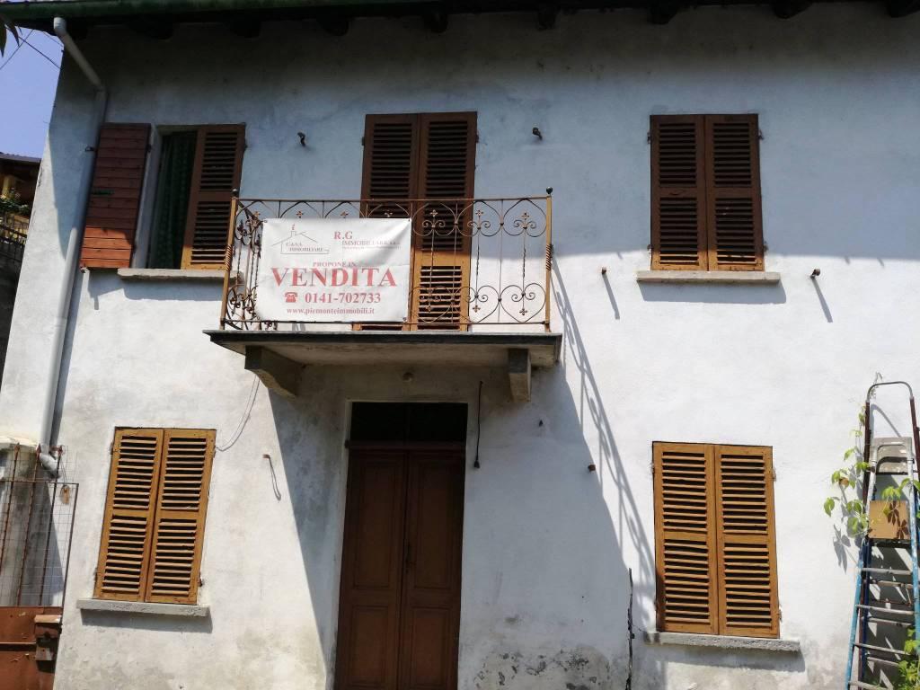Foto 1 di Casa indipendente frazione Villa, Incisa Scapaccino