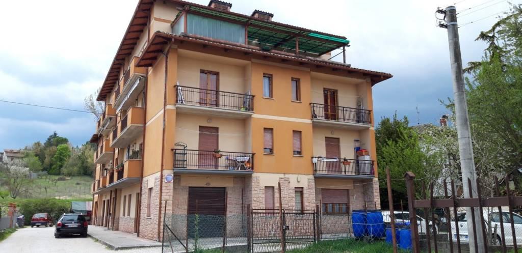 Appartamento in vendita a Spoleto, 5 locali, prezzo € 95.000 | PortaleAgenzieImmobiliari.it