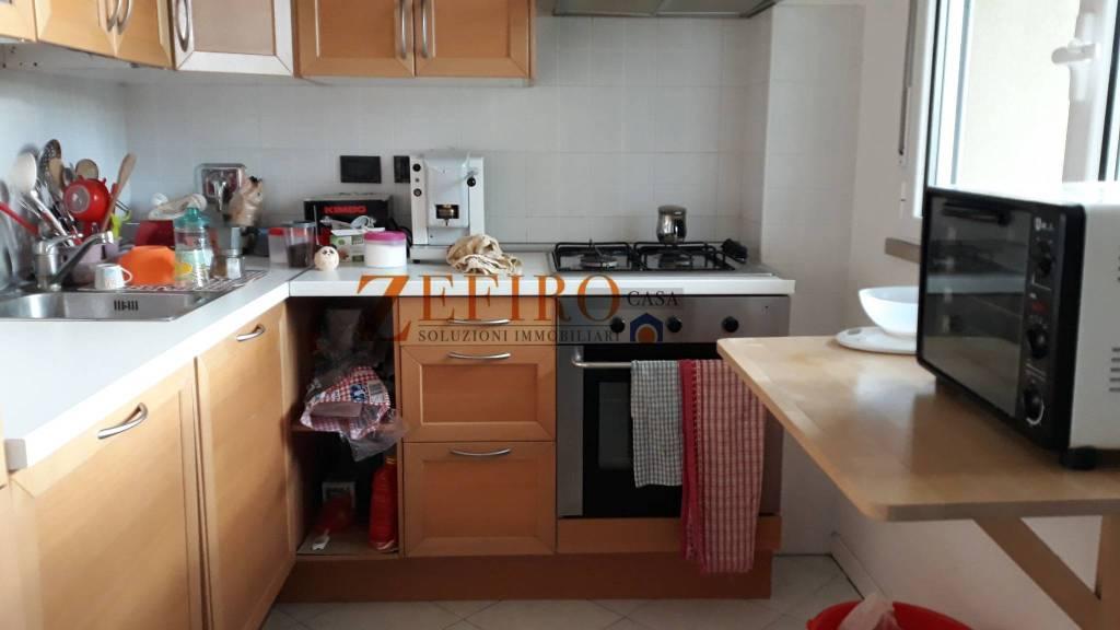 Appartamento in Affitto a Bologna Semicentro: 4 locali, 96 mq