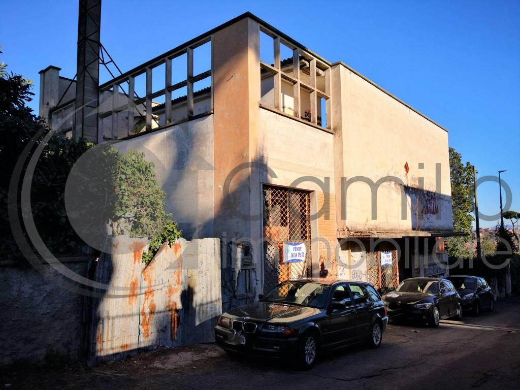 Negozio / Locale in vendita a Roma, 6 locali, zona Zona: 33 . Quarto Casale, Labaro, Valle Muricana, Prima Porta, Trattative riservate | CambioCasa.it